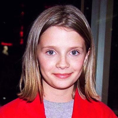 100+ Mischa Barton photos when young
